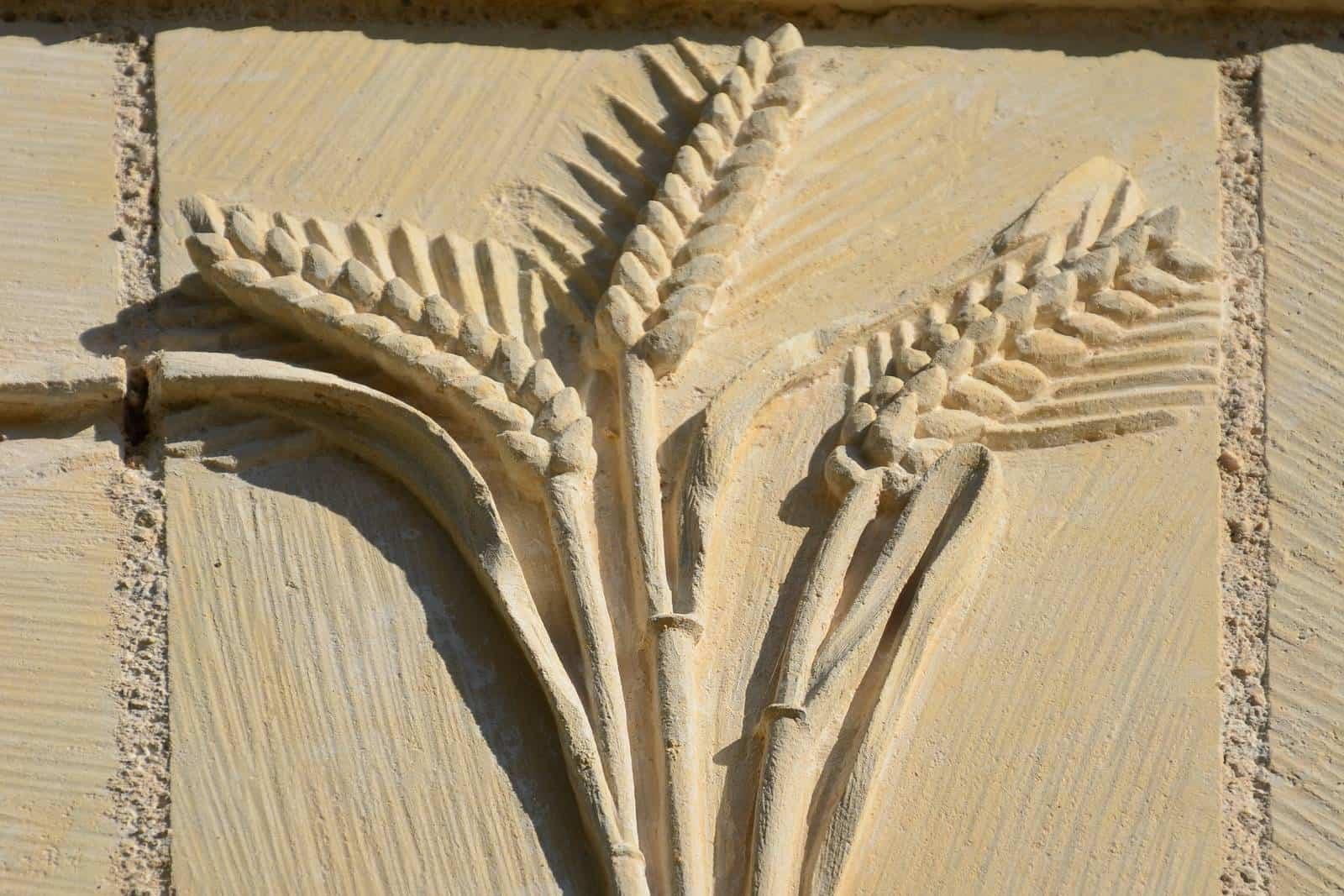Blé sculpté par un talentueux artisan local recadrage horizontal - gîte rural de Haute Forêt en Vallée du Loir