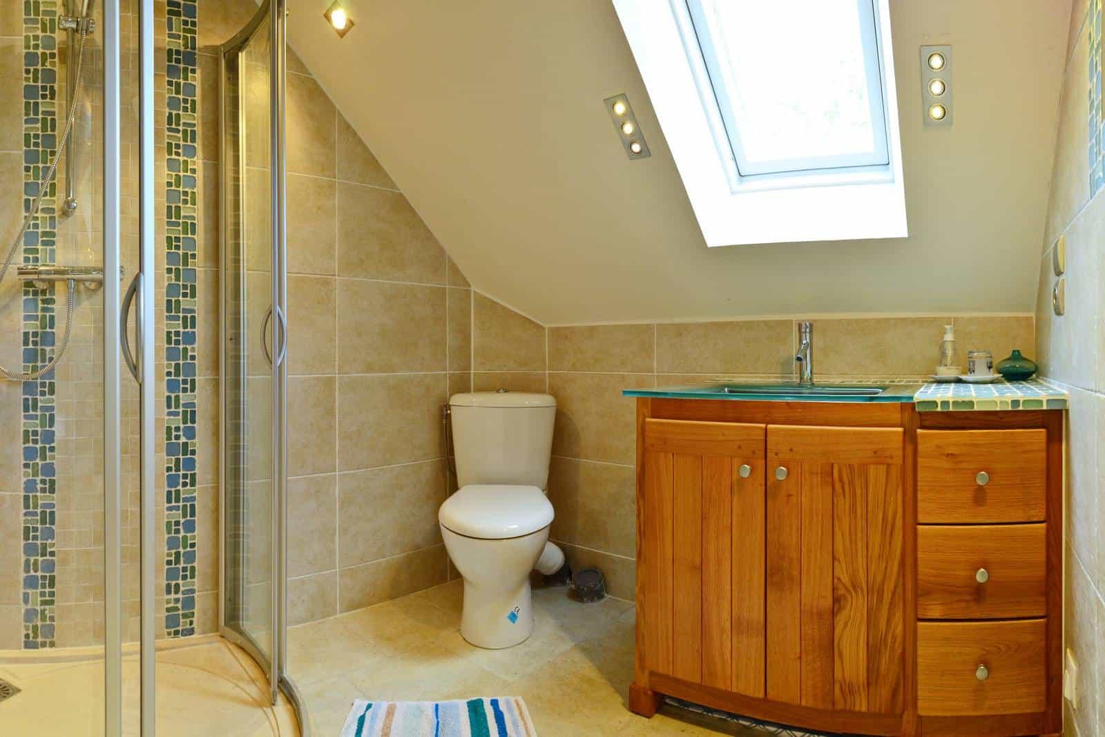 Salle de bains de la chambre printemps - gîte rural de Haute Forêt en Vallée du Loir